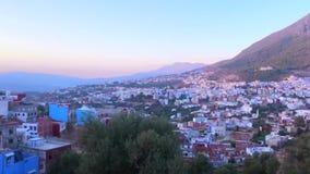 Vista de Medina azul famoso de la ciudad vieja Chefchaouen, Marruecos, África almacen de metraje de vídeo