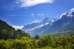 Vista de Mont Blank masive imagem de stock royalty free
