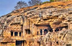 Vista de monumentos budistas em Ellora Caves Um local do patrimônio mundial do UNESCO no Maharashtra, Índia Fotografia de Stock Royalty Free