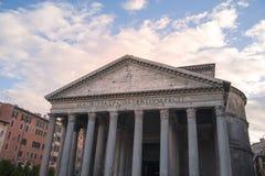 Vista de monumentos romanos antigos fotos de stock royalty free