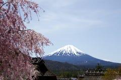 Vista de Mt Años Nuevos japoneses de diseño de tarjeta Imagenes de archivo