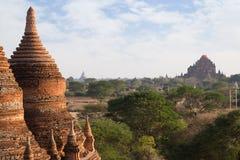 Vista de muitos pagodes e templos em Bagan Fotos de Stock