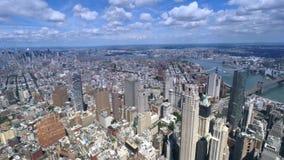 Vista de nível elevado da ponte de New York City e de Brooklyn video estoque