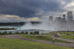 Vista de Niagara Falls antes do temporal, NY, EUA Fotos de Stock Royalty Free