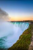 Vista de Niagara Falls de Canadá fotografia de stock