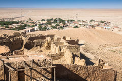 Vista de oásis Chebika da montanha, deserto de Sahara, Tunísia, África Imagens de Stock