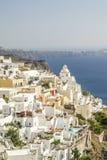 Vista de oia no santorini e parte do caldera imagem de stock royalty free