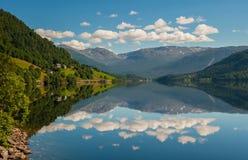 Vista de Oppheimsvatnet, Voss, Noruega Imagem de Stock Royalty Free