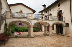 Vista de Palazzo Scolari, Polcenigo Foto de archivo libre de regalías