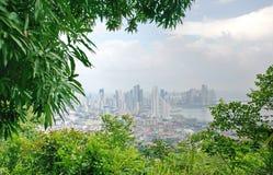 Vista de Panama City do monte do Ancon fotos de stock