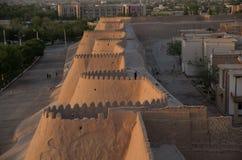Vista de paredes velhas do khiva da cidade Fotos de Stock