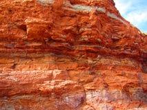 Vista de penhascos de pedra vermelhos Fotos de Stock