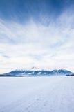 Vista de picos e de neve de montanha no tempo de inverno, Tatras alto Imagem de Stock