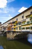 Vista de Ponte Vecchio e de River Arno Imagem de Stock