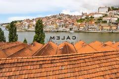 Vista de Porto sobre adegas de vinho Imagens de Stock Royalty Free