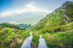 Vista de primeira pessoa bonita de uma montanha alta, distorção do fisheye fotografia de stock royalty free