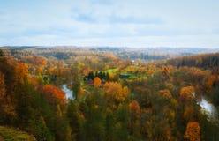 Vista de Puckoriai geological, exposição de Puckoriai, rio de Vilnia, exposição a mais alta lituana 65 m de altura Vilnius, Lithu Foto de Stock Royalty Free