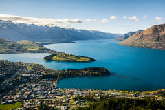 Vista de Queenstown e de lago Wakatipu, Nova Zelândia Imagem de Stock Royalty Free