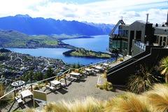 Vista de Queenstown y del Remarkables, Nueva Zelanda Fotografía de archivo libre de regalías
