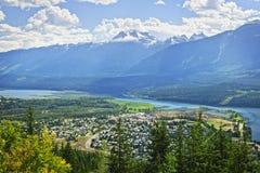 Vista de Revelstoke no Columbia Britânica, Canadá Fotografia de Stock Royalty Free