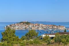Vista de Rogoznica, Croacia fotografía de archivo
