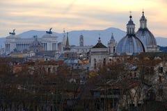 Vista de Roma Italia de la altura Fotos de archivo libres de regalías