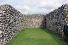 Vista de ruínas do castelo em Sarum velho, Inglaterra imagens de stock royalty free