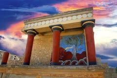 Vista de ruines antiguos del palacio de Knossos del famouse en Creta en Grecia foto de archivo libre de regalías