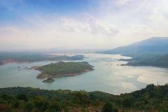 Vista de Salt Lake con las islas Niksic, Montenegro Imagen de archivo libre de regalías