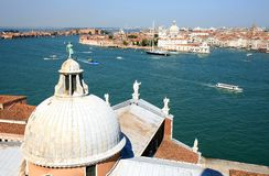 Vista de San Giorgio Maggiore em Veneza, Italy foto de stock