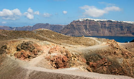 Vista de Santorini e de Nea Kameni Foto de Stock