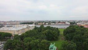Vista de St Petersburg da catedral do ` s do St Isaac video estoque