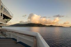 Vista de St San Cristobal de la cubierta del barco de cruceros Foto de archivo libre de regalías