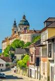 Vista de Stift Melk, una abadía benedictina sobre la ciudad de Melk en Austria Imagenes de archivo