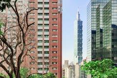 Vista de Taipei 101 y de la arquitectura moderna Foto de archivo libre de regalías