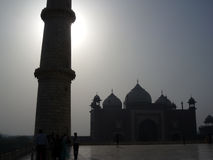 Vista de Taj Mahal Minarrate y de la mezquita en Agra, la India, Asia Imágenes de archivo libres de regalías
