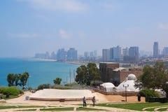 Vista de Tel Aviv del anfiteatro en el parque de Abrasha en Jaffa viejo, Israel imagen de archivo libre de regalías