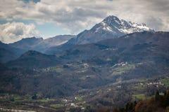 Vista de Toscana en el área de Barga Foto de archivo libre de regalías