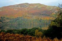 Vista de Ullswater no outono fotografia de stock