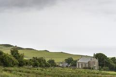 Vista de um campo na estrada A9 nas montanhas Imagens de Stock