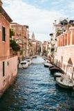 Vista de um canal em Veneza Fotografia de Stock