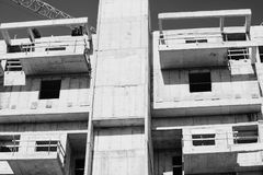 Vista de um canteiro de obras de uma construção nova na cidade do 'batata doce' do bastão, Israel foto de stock royalty free