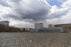Vista de um exterior do museu da história da topografia do terror Imagem de Stock Royalty Free