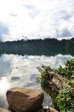 Vista de um lago Foto de Stock