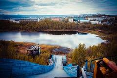 Vista de um salto de esqui abandonado velho Imagens de Stock Royalty Free