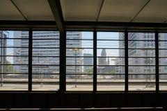 Vista de uma plataforma da estação do jardim zoológico de Bahnhof da estação fotografia de stock royalty free