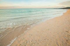 vista de uma praia antes do por do sol Imagem de Stock Royalty Free