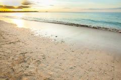 vista de uma praia antes do por do sol Fotografia de Stock Royalty Free