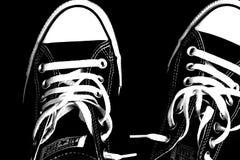 Vista de uma sapatilha legendária, Chuck Taylor All Star, preto e branco fotos de stock