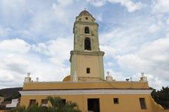 Vista de uma torre de sino da igreja em Trinidad, Cuba Fotografia de Stock